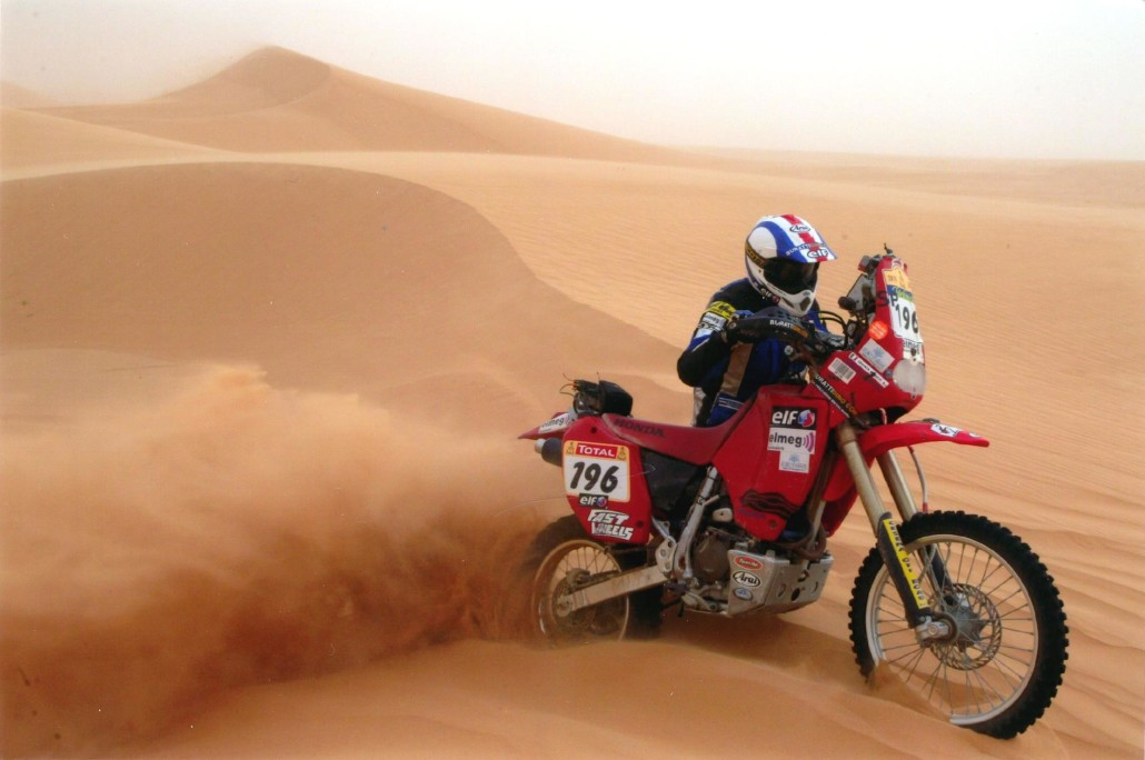 Lorenzo Tumblers on his Honda XR 400 the Dakar 2005
