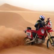 Lorenzo Buratti sulla sua Honda XR 400 alla Dakar 2005