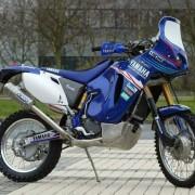 La WR 450 è il frutto di anni di sperimentazioni. Il sistema fu sperimentato anche sulle Yamaha TT