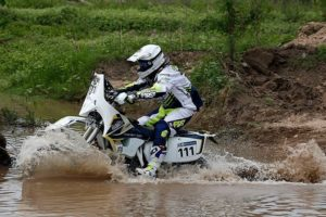 "Dakar 2016 Sylain Espinasse is the first to run and accomplish the Dakar ""the new world"""
