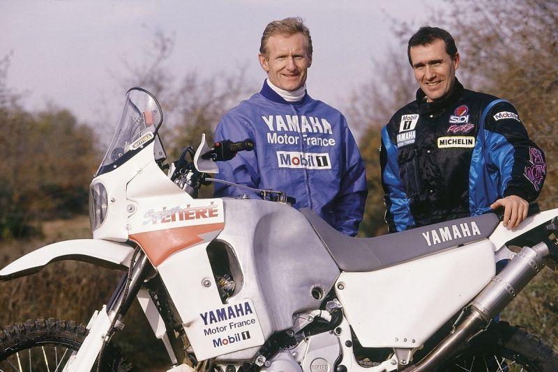 Jean Claude Oliveir, patron di Yamaha Motor France con Stephane Peterhansel alla presentazione del modello 1994