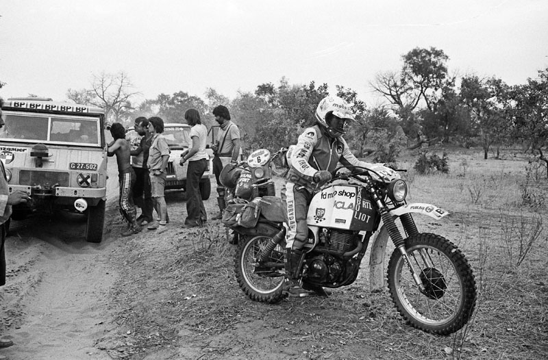 Car - Raid 1979 - PARIS ALGER DAKAR - Photo : DPPI MOTO - CYRIL NEVEU (FRA) / YAMAHA 500 XT - ACTION - WINNER, NEW10